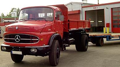 rot lackierter Laster