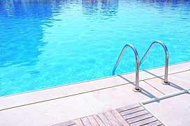 Schwimmbad außen